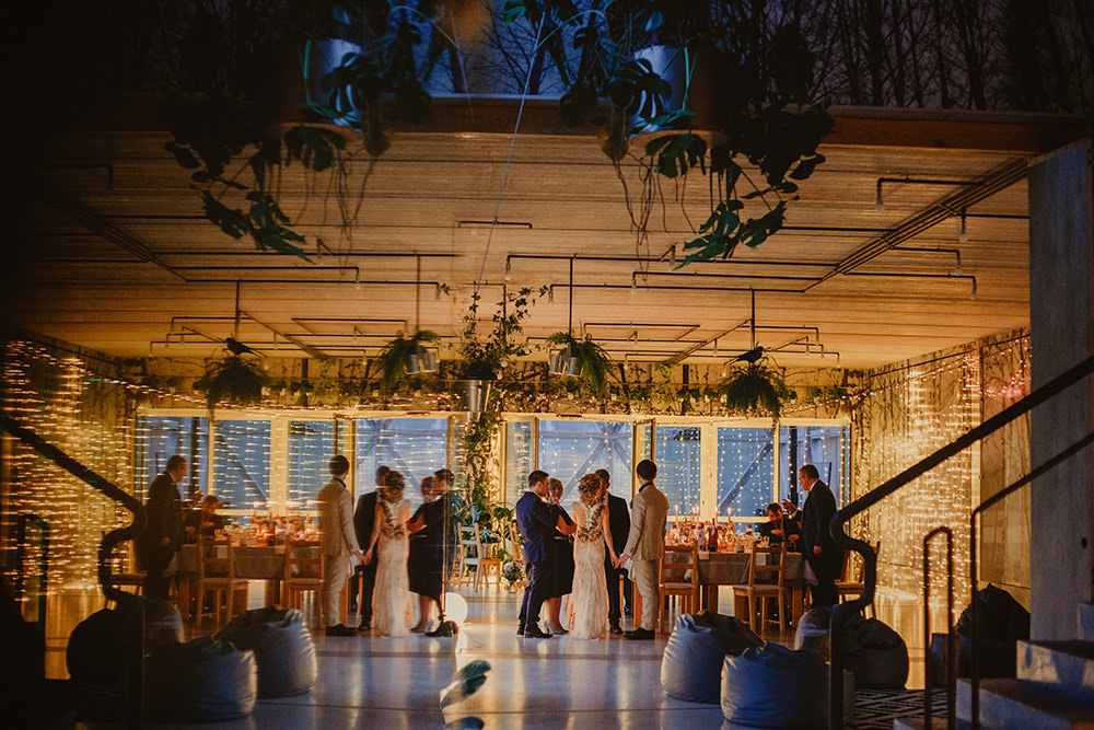 ślub w stodole wszystkich świętych